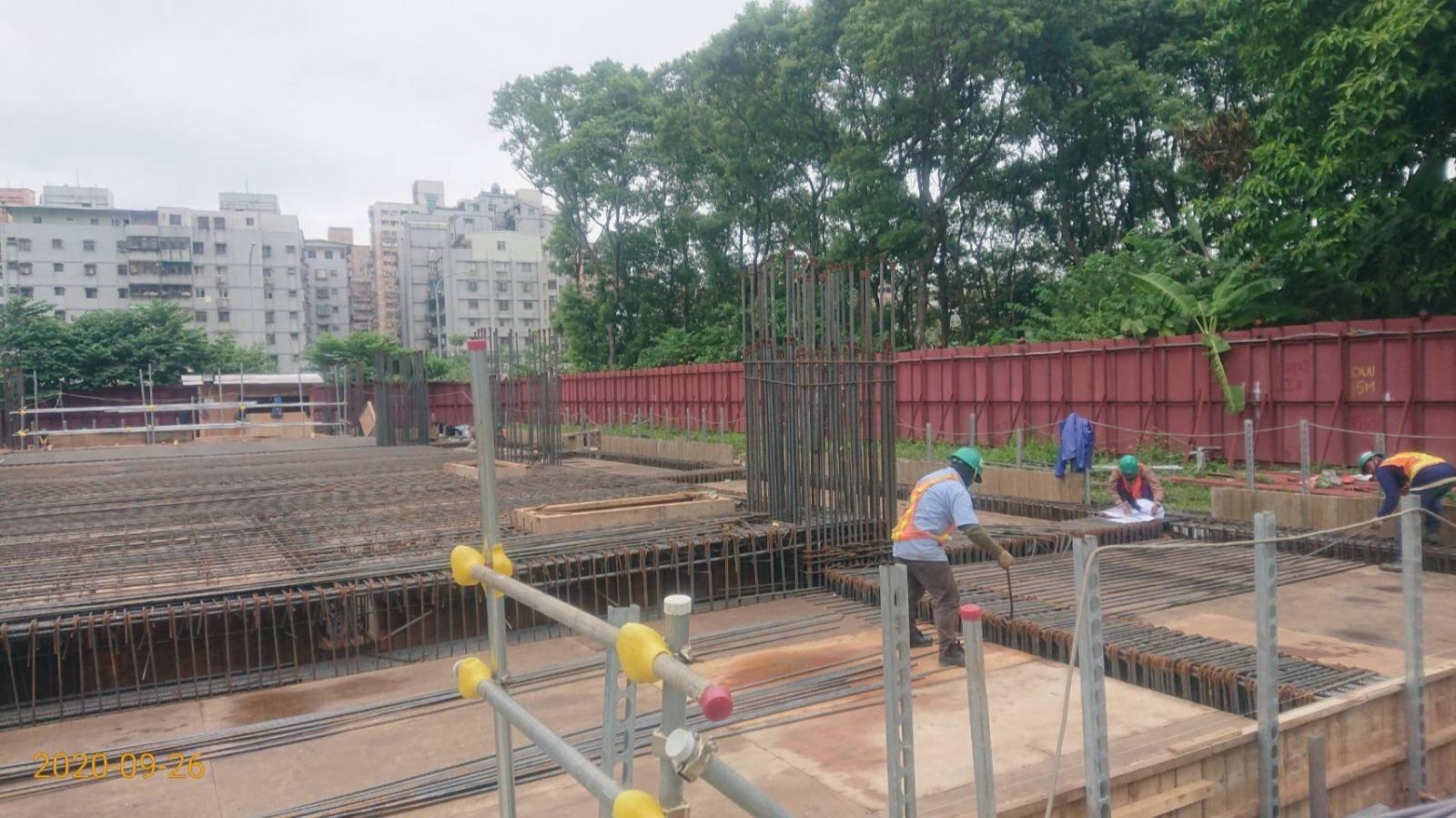 三峽民生街LB06-2B1F版鋼筋綁紮作業