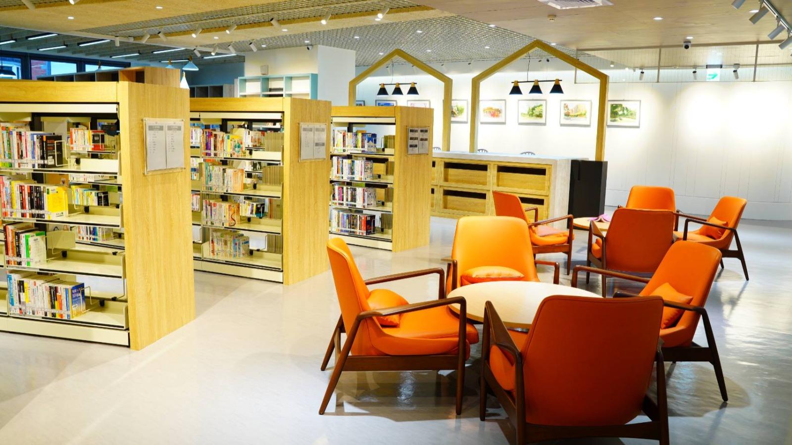 木質溫潤感的閱覽空間